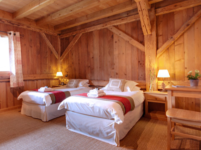 morzine chalet with 5 ensuite bedrooms